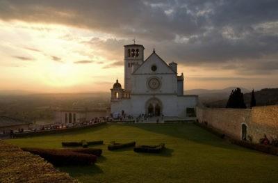 cammini in umbria alunna più buona d'italia assisi basilica san francesco cammini profuturo sentiero francescano