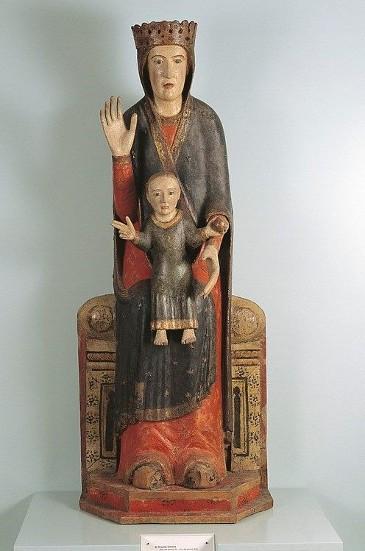 madonna in trono statua lignea di gesù bambino