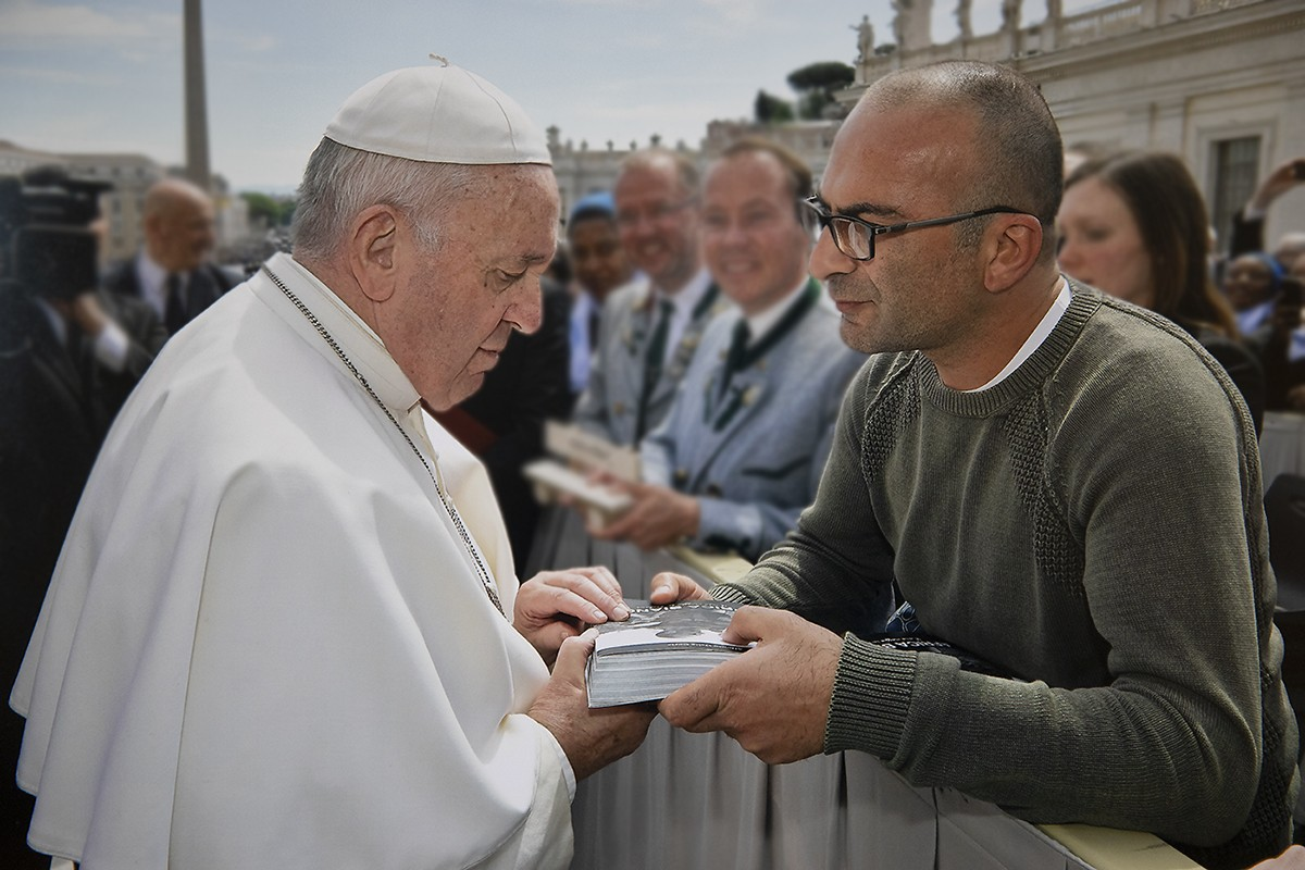 papa francesco africa bianca