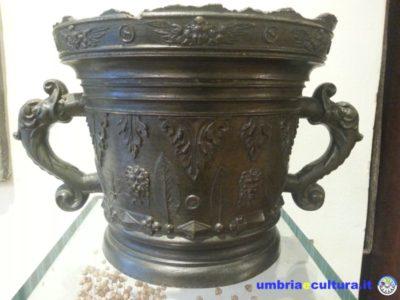 mortaio in bronzo aboca museum